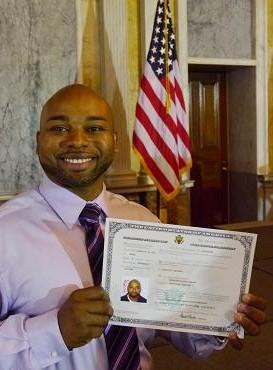 ¿Puedo Aplicar Para La Ciudadanía Americana Si He Tenido Un Caso Criminal?
